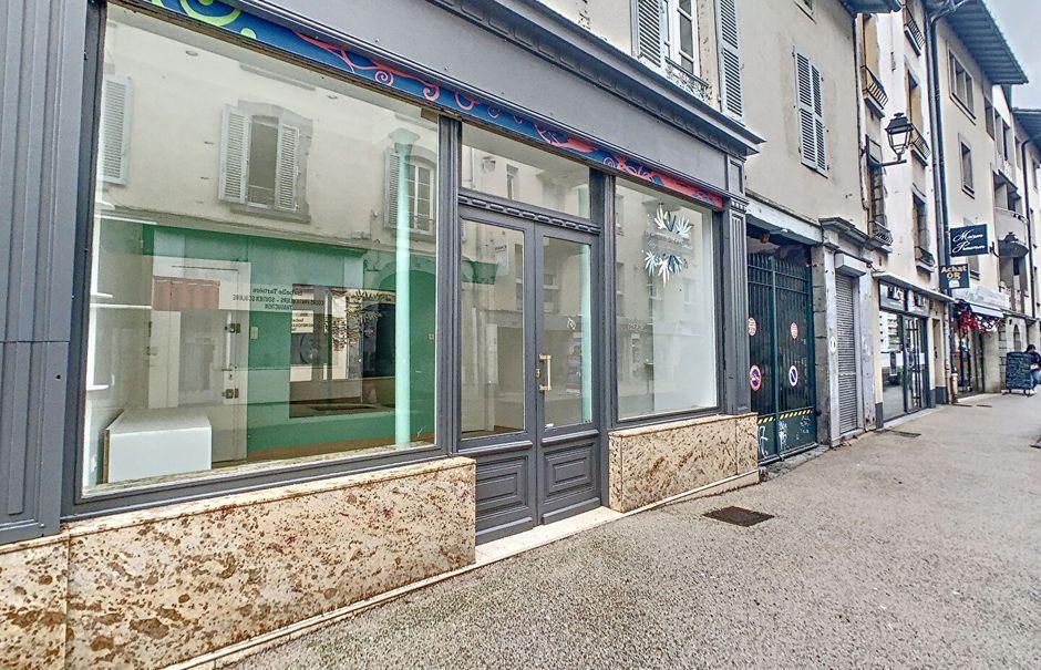 Location  locaux professionnels  30.99 m² à Aurillac (15000), 505 €