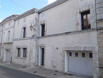 locaux professionels à Roullet-Saint-Estèphe (16)