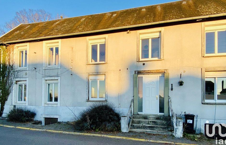 Vente maison 5 pièces 146 m² à Nexon (87800), 130 000 €