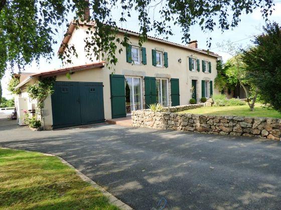 Vente maison 9 pièces 189 m2
