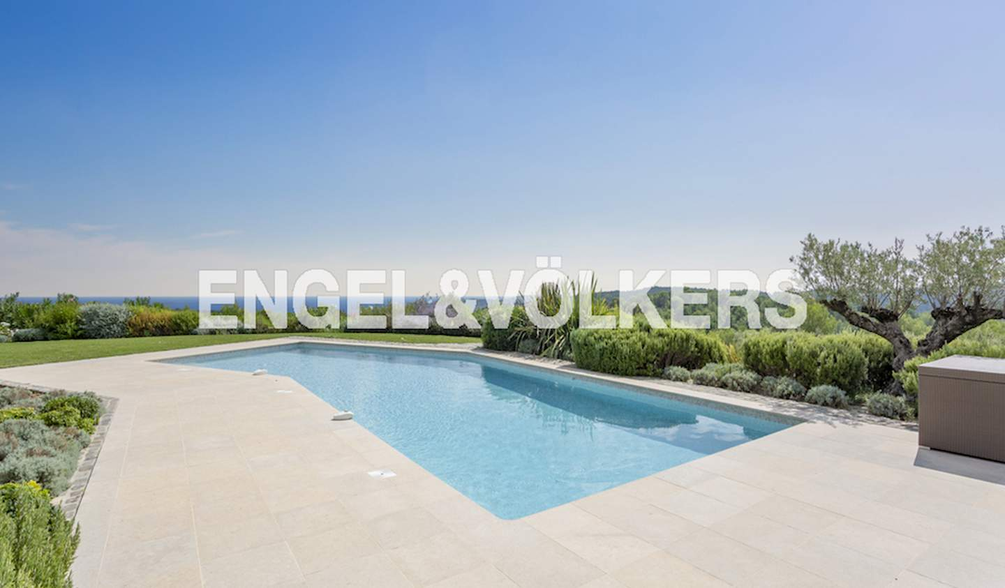 House with pool and terrace Roquefort-les-Pins