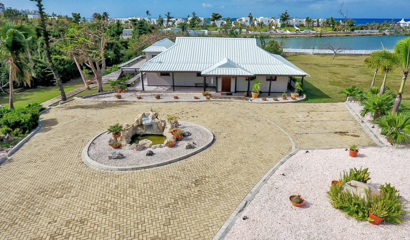 Villa with pool and terrace Saint-Martin