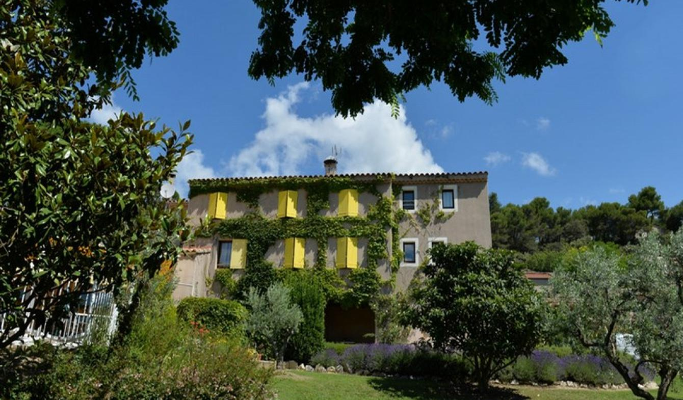 Hotel with garden and reception room Lourmarin