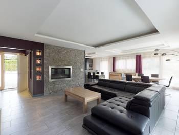 Maison 6 pièces 233 m2