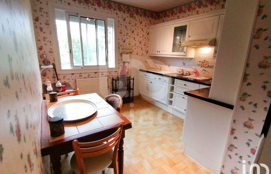 Vente maison 5 pièces 160 m² à Quinssaines (03380), 204 000 €