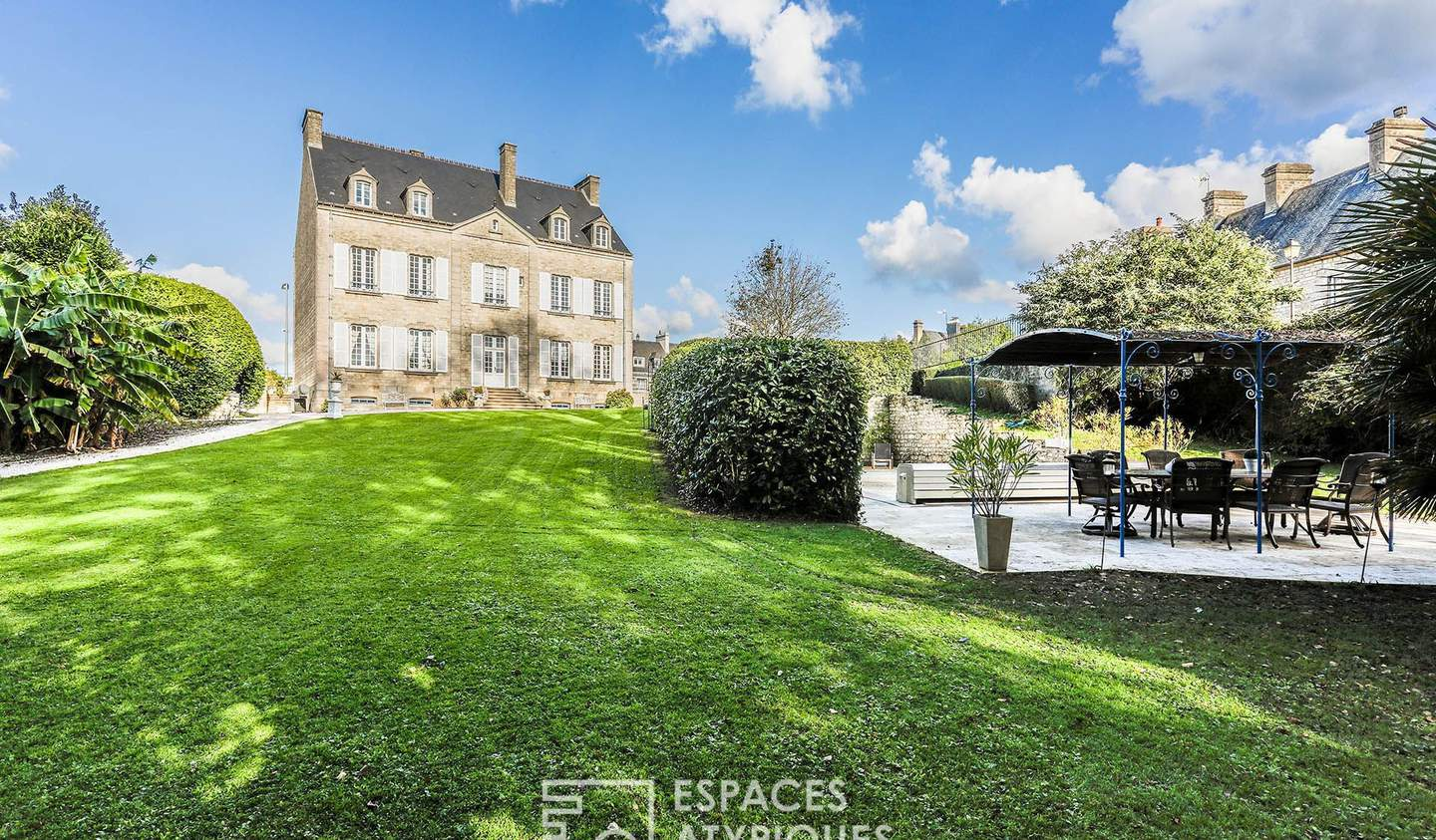 House with pool and terrace Valognes