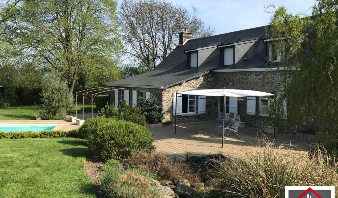 Maison avec piscine et terrasse Pré-en-Pail
