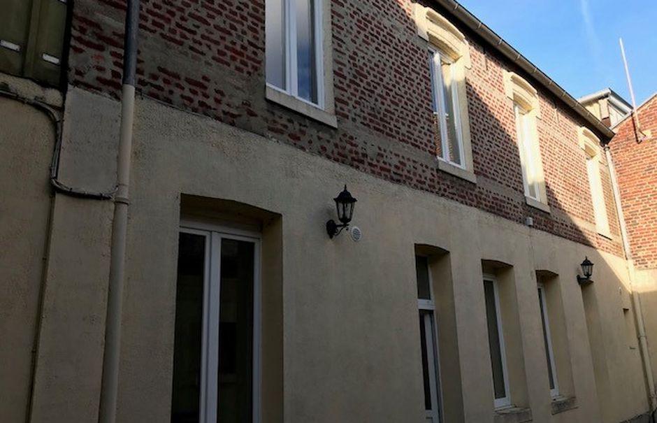 Vente locaux professionnels 10 pièces 50 m² à Saint-Quentin (02100), 262 900 €