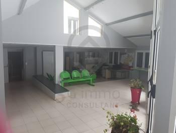 Maison 31 pièces 900 m2