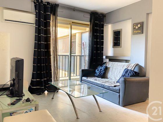 Location appartement meublé 2 pièces 50,2 m2