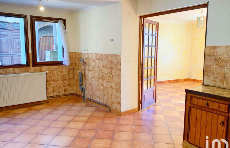 Vente maison 6 pièces 115 m² à Saint-Félix-de-Sorgues (12400), 59 500 €