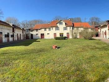 Maison 19 pièces 335 m2