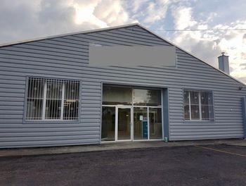 locaux professionels à Is-sur-Tille (21)