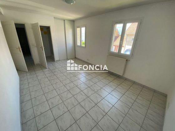 Location appartement 6 pièces 203,98 m2