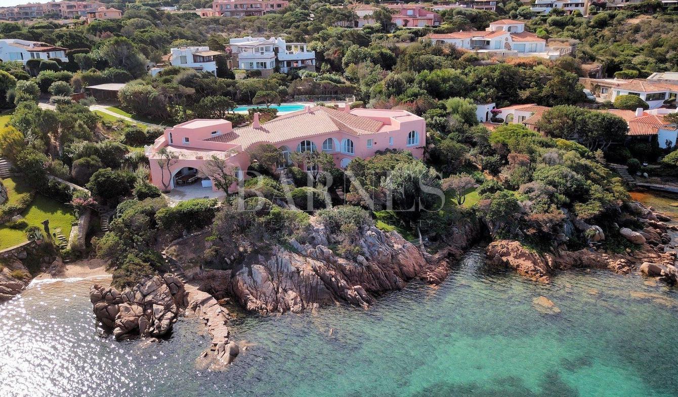 Villa with pool Cala di Volpe
