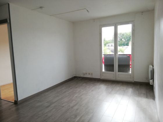 Location studio 33,96 m2