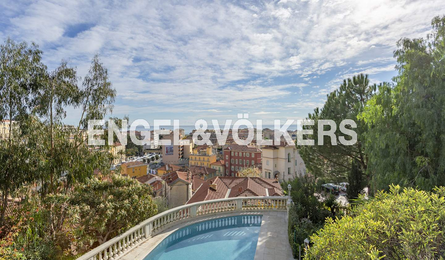 House with pool and terrace Menton