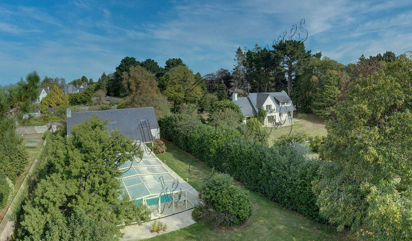 Maison avec piscine et terrasse Lanvollon