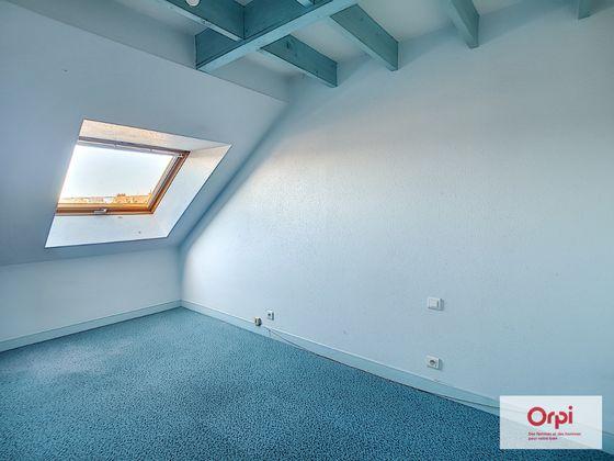 Location appartement 4 pièces 97 m2