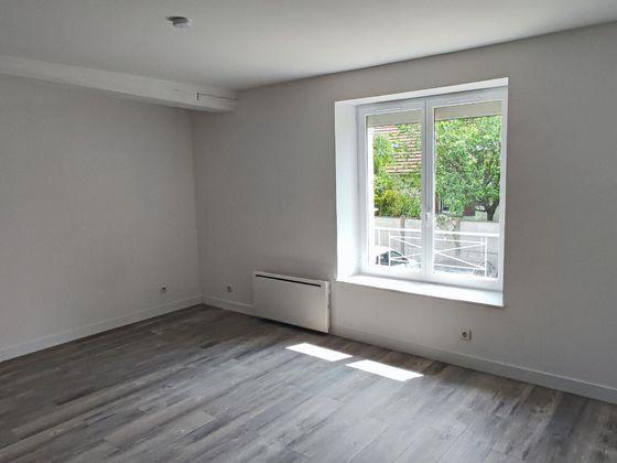 Location studio 25,21 m2