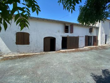 maison à Grézac (17)