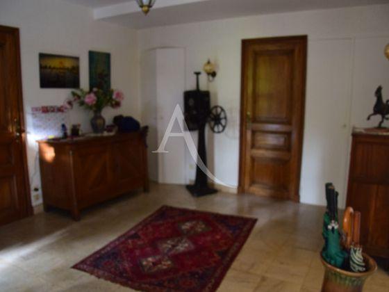 Vente maison 8 pièces 214,6 m2