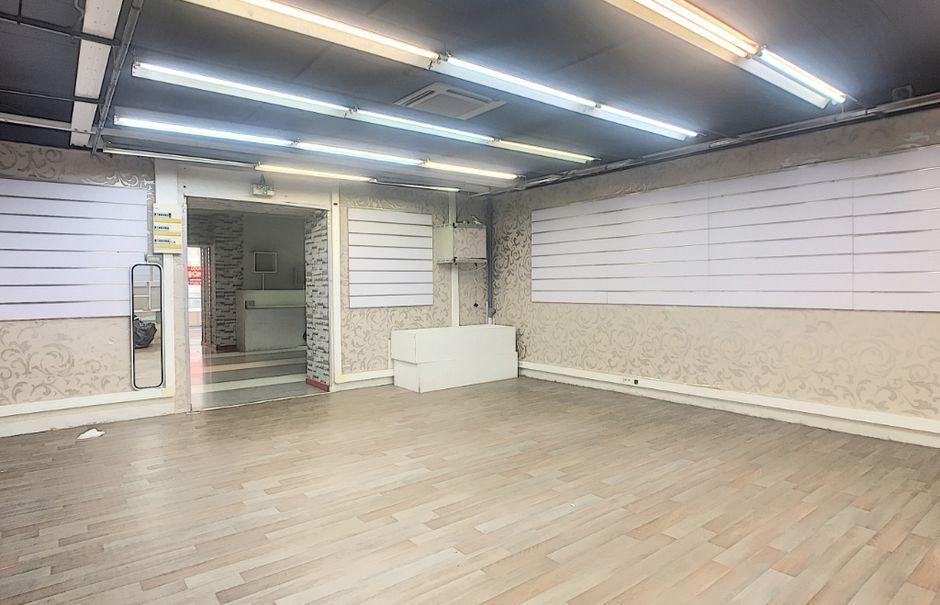 Location  locaux professionnels  500 m² à Aurillac (15000), 2 600 €