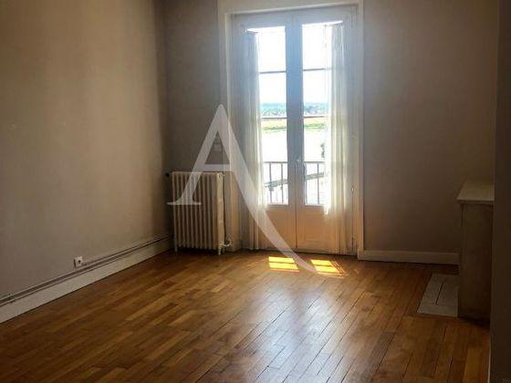 Location appartement 3 pièces 84,35 m2