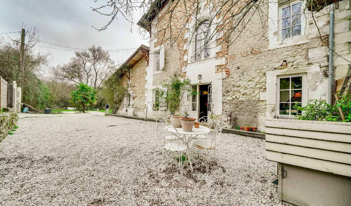 Maison avec piscine et terrasse Bouliac