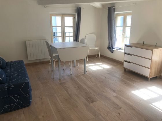 Location studio meublé 19 m2