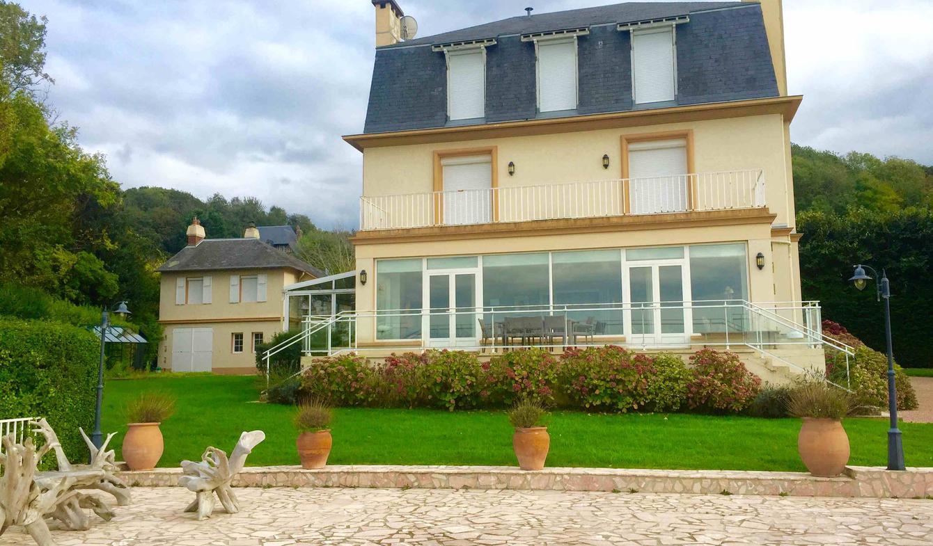 Villa avec piscine en bord de mer Deauville
