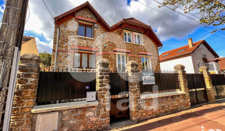 Maison avec piscine et terrasse Noiseau