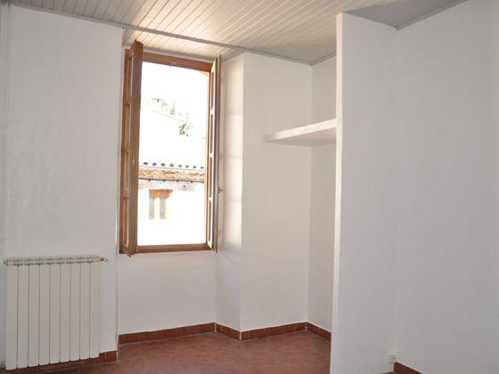 Location appartement 3 pièces 94 m2