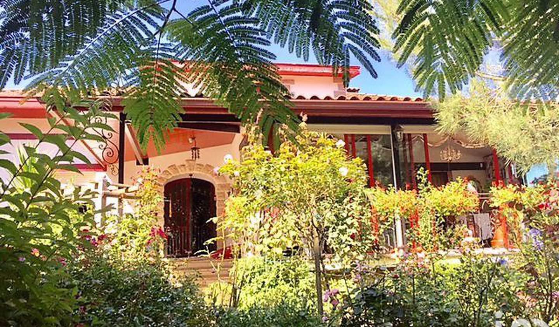 Maison avec terrasse Souraïde