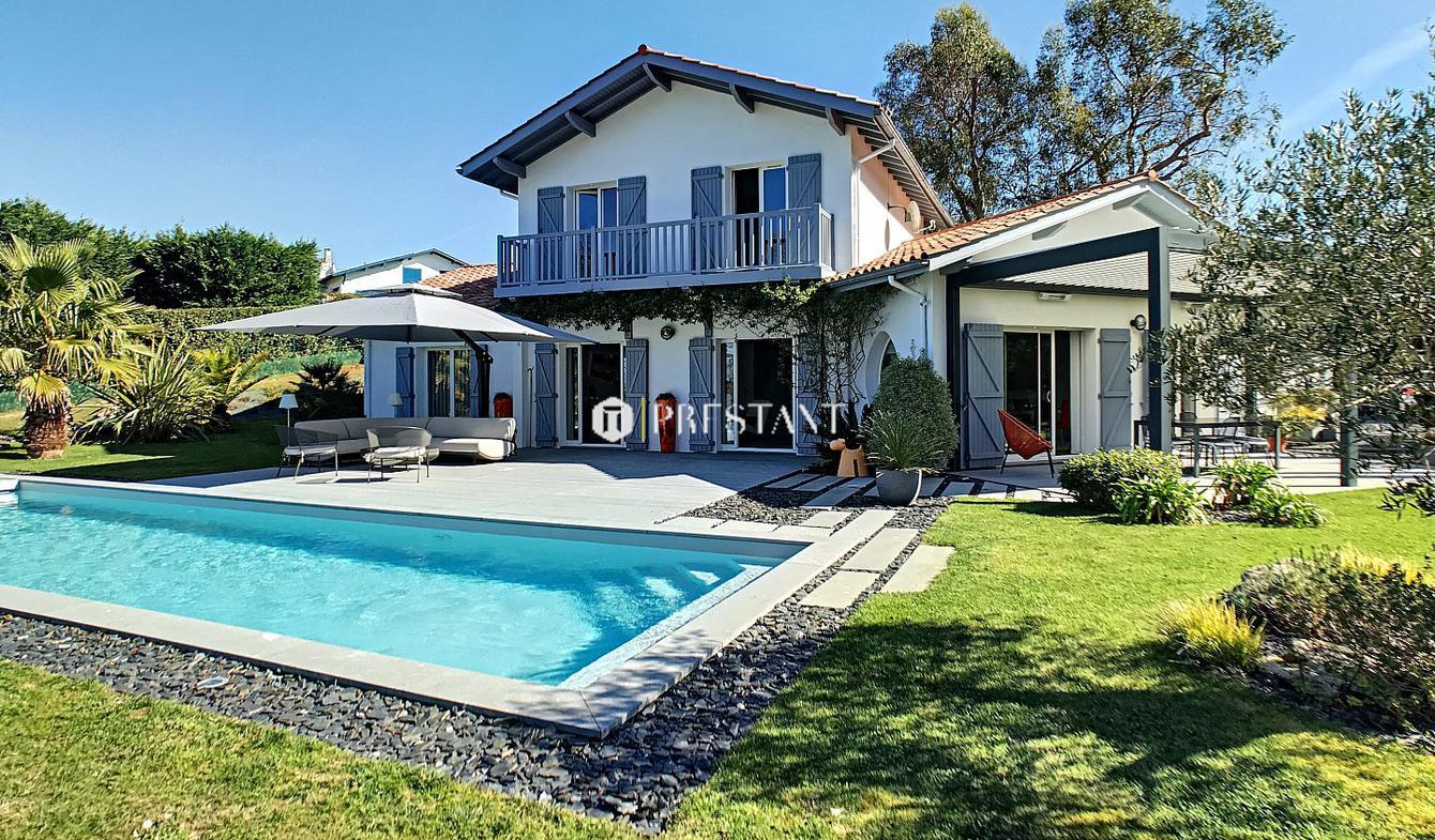Maison avec piscine et terrasse Arbonne