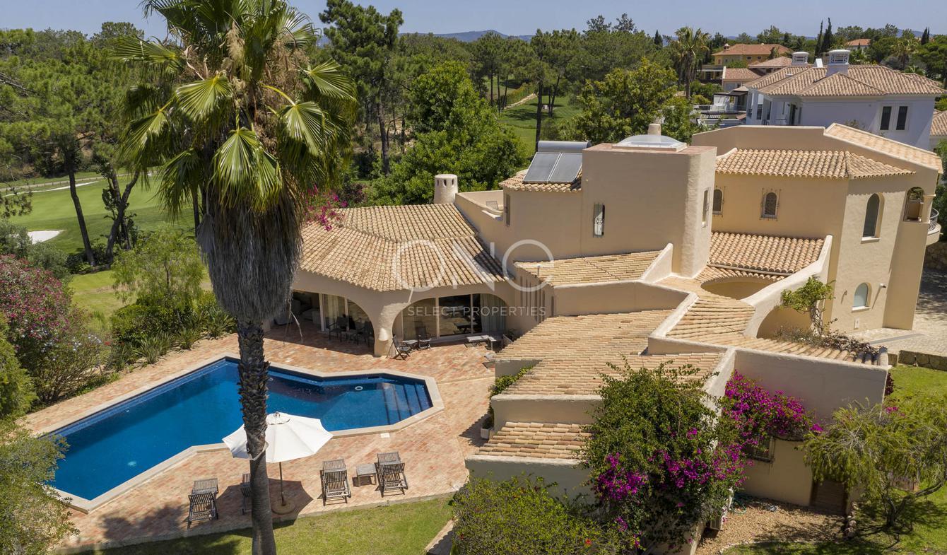 Seaside villa with pool Almancil