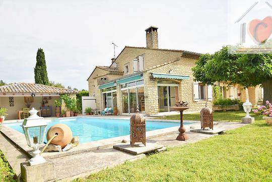 Villa De Luxe Avec Piscine Plan D Orgon à Vendre