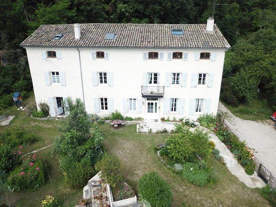 Vente maison 25 pièces 650 m2