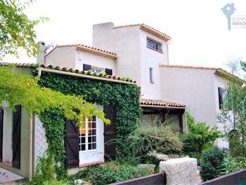 villa à Saint-Mitre-les-Remparts (13)