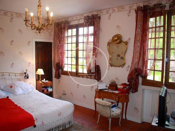 Vente maison 11 pièces 200 m2