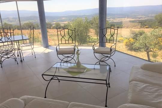 Bien atypique avec terrasse et vue panoramique