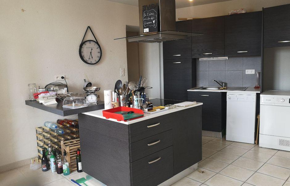 Location  appartement 3 pièces 70 m² à Cabrieres (30210), 710 €