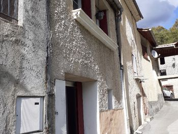 maison à Bayons (04)