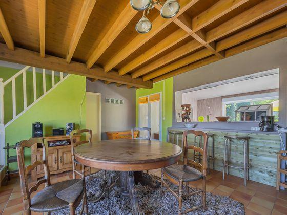 Vente propriété 10 pièces 222 m2