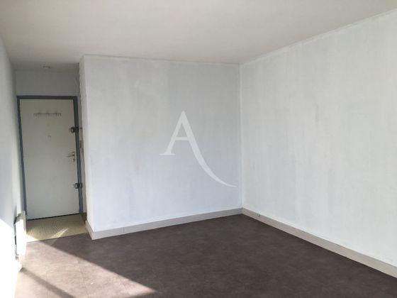 Location studio 23,28 m2