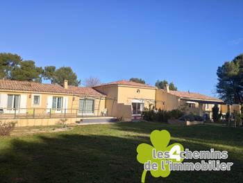 Villa 8 pièces 233 m2