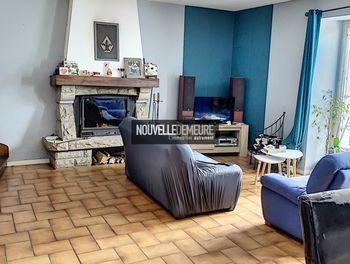 maison à Combourg (35)