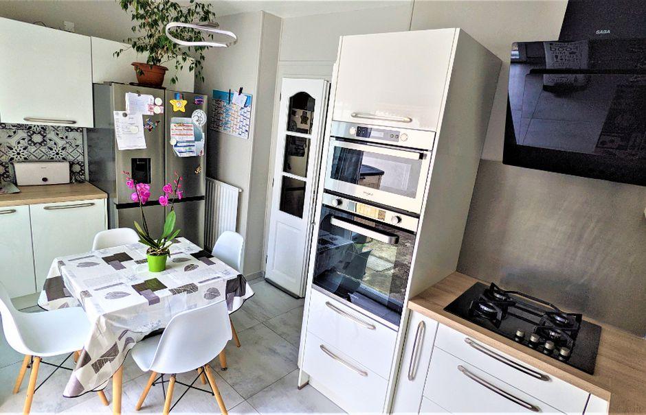 Vente maison 5 pièces 92 m² à Saint-Quentin (02100), 134 900 €