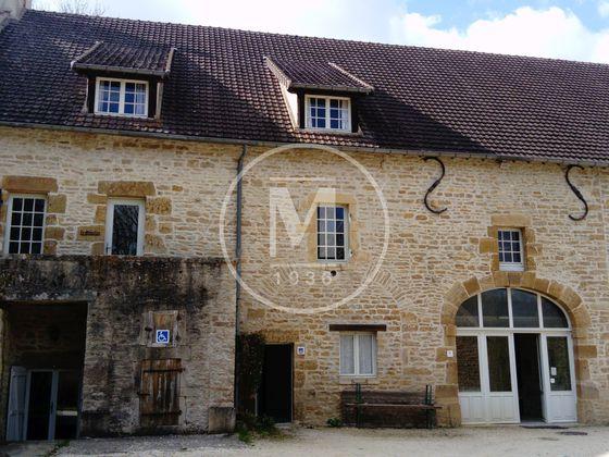 Vente maison 24 pièces 840 m2
