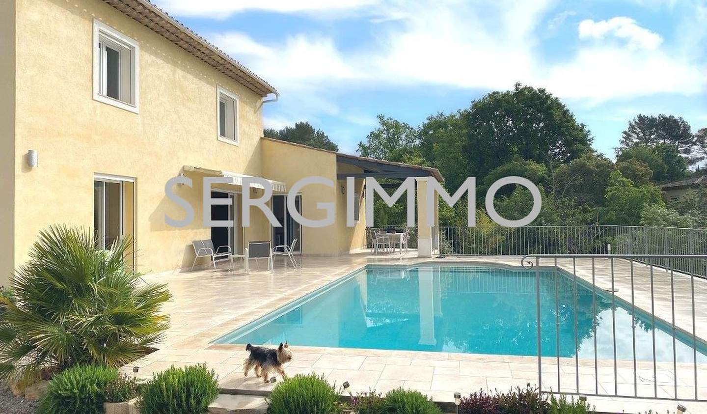 House with pool and terrace Peymeinade
